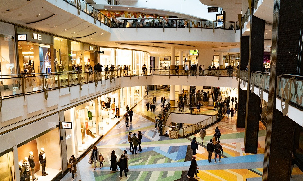 Enjoy the trip to singapore shopping mall over the weekend
