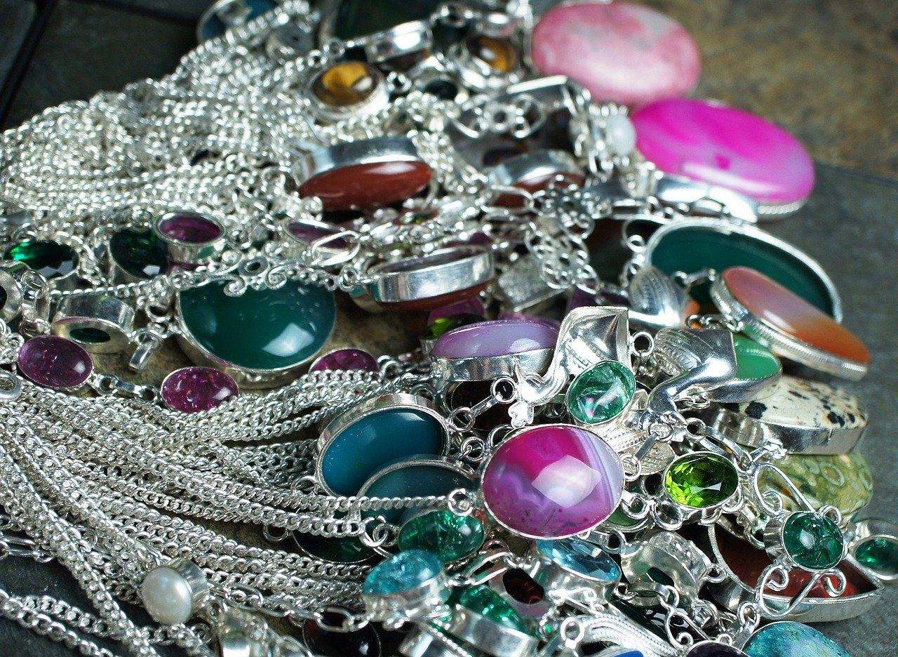Gemstone Selection in Wholesale Jewelry